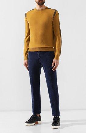 Мужские джинсы KITON синего цвета, арт. UFPP79J03S94 | Фото 2
