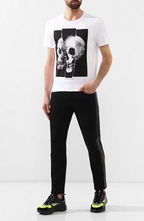 Мужская хлопковая футболка ALEXANDER MCQUEEN белого цвета, арт. 582923/QNZ8B   Фото 2