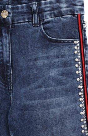 Детские джинсы с лампасами MONNALISA синего цвета, арт. 794400A2 | Фото 3