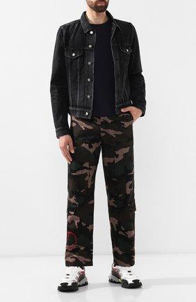 Мужской хлопковые брюки VALENTINO хаки цвета, арт. SV3REA405BG | Фото 2