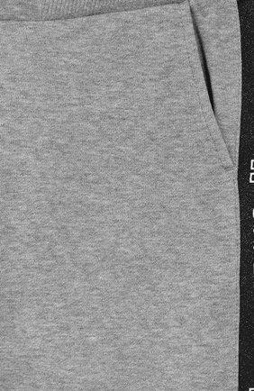 Хлопковые брюки Givenchy серого цвета   Фото №3