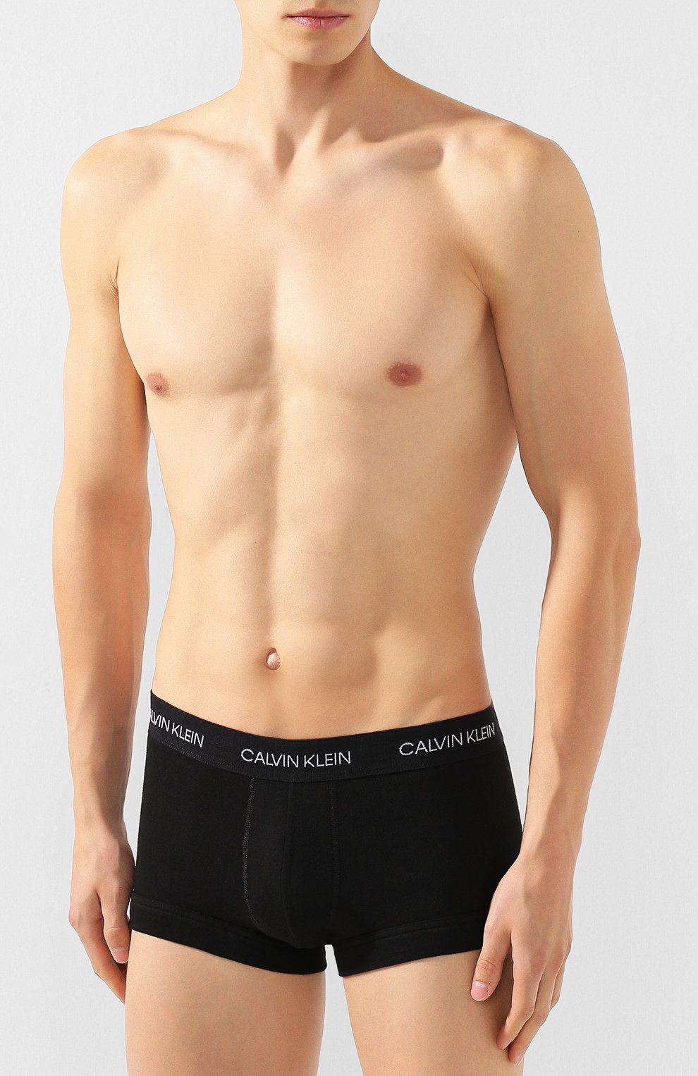 Мужские хлопковые боксеры CALVIN KLEIN черного цвета, арт. NB1811A | Фото 2
