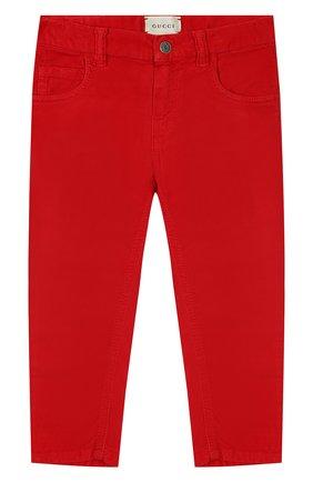 Детские хлопковые брюки GUCCI красного цвета, арт. 566100/XDAN0 | Фото 1