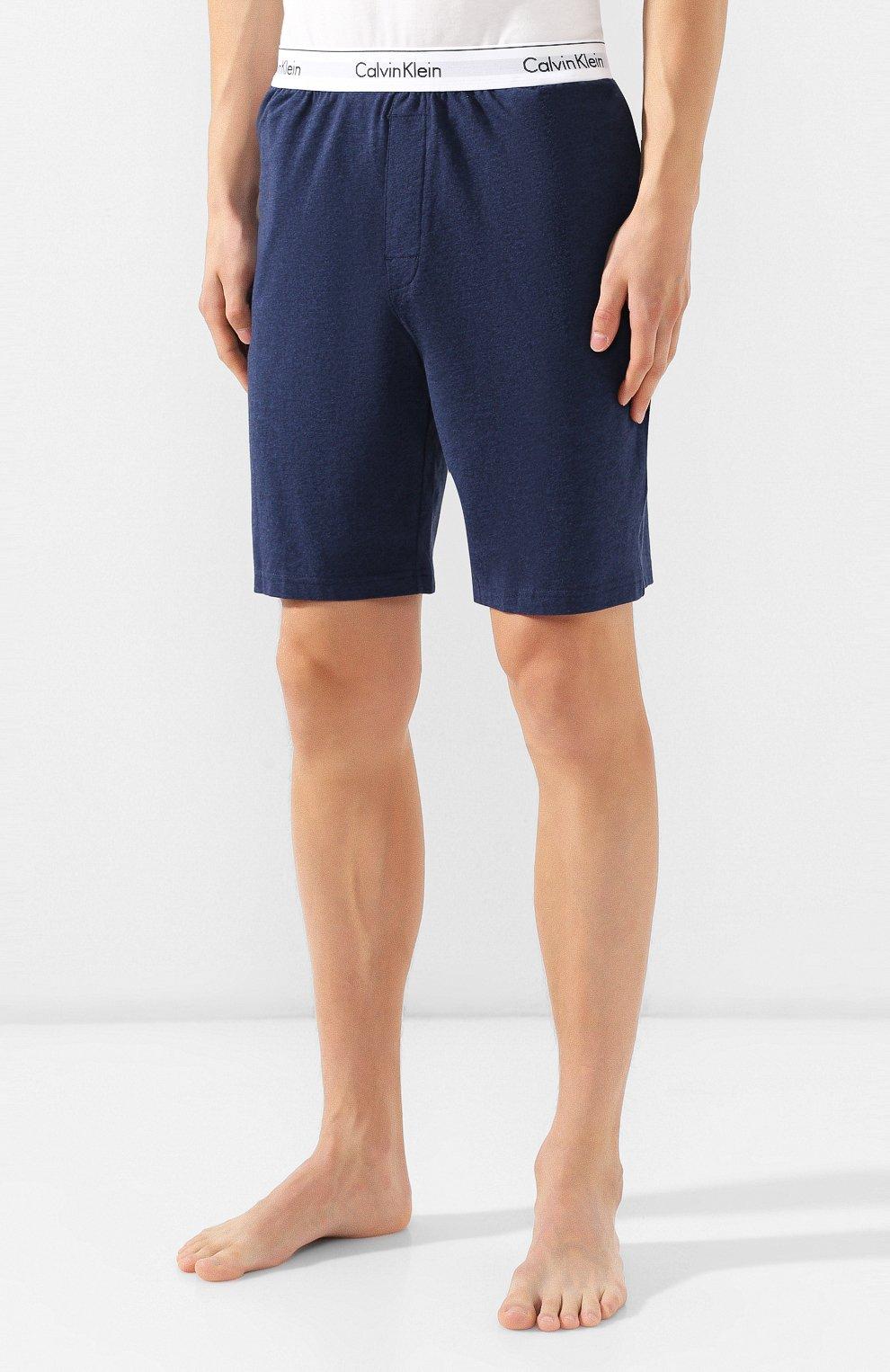 Мужские хлопковые шорты CALVIN KLEIN синего цвета, арт. NM1593E | Фото 3