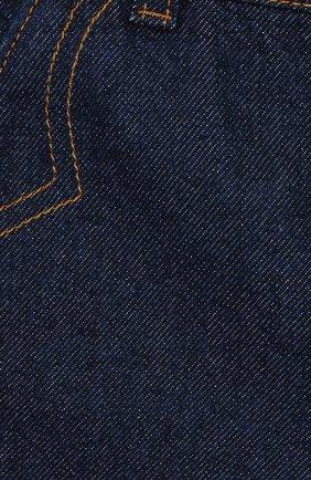Детские джинсы GUCCI синего цвета, арт. 566095/XDAN2 | Фото 3
