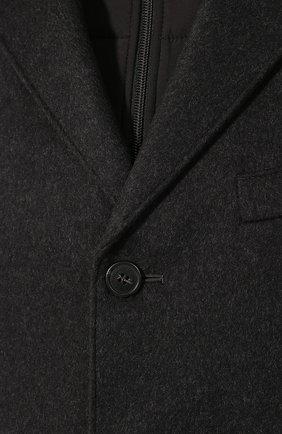 Мужской шерстяное пальто CORNELIANI темно-серого цвета, арт. 841584-9813179/00   Фото 5 (Материал внешний: Шерсть; Рукава: Длинные; Материал подклада: Синтетический материал; Мужское Кросс-КТ: Верхняя одежда, пальто-верхняя одежда; Статус проверки: Проверено; Стили: Кэжуэл)