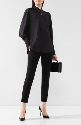 Женская шелковая рубашка BRUNELLO CUCINELLI черного цвета, арт. MF948MD801 | Фото 2 (Длина (для топов): Удлиненные; Рукава от горловины: Длинные; Материал внешний: Шелк; Статус проверки: Проверена категория; Рукава: Длинные; Принт: Без принта; Женское Кросс-КТ: Рубашка-одежда; Стили: Кэжуэл)