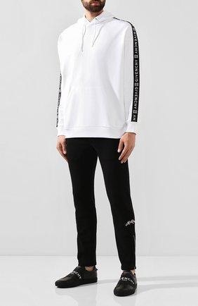 Мужской хлопковые брюки ALEXANDER MCQUEEN черного цвета, арт. 582928/QNX43 | Фото 2