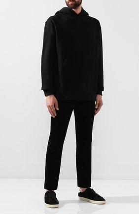 Мужской хлопковые брюки SAINT LAURENT черного цвета, арт. 584475/Y517V | Фото 2
