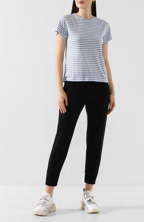 Женская футболка из шелка и вискозы VINCE темно-синего цвета, арт. V588183342 | Фото 2