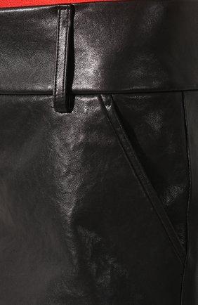 Женские кожаные шорты ALICE + OLIVIA черного цвета, арт. C000133102 | Фото 5