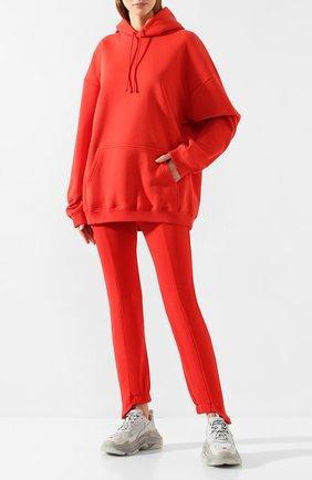 Женские хлопковые брюки VETEMENTS красного цвета, арт. WAH20TR515 | Фото 2