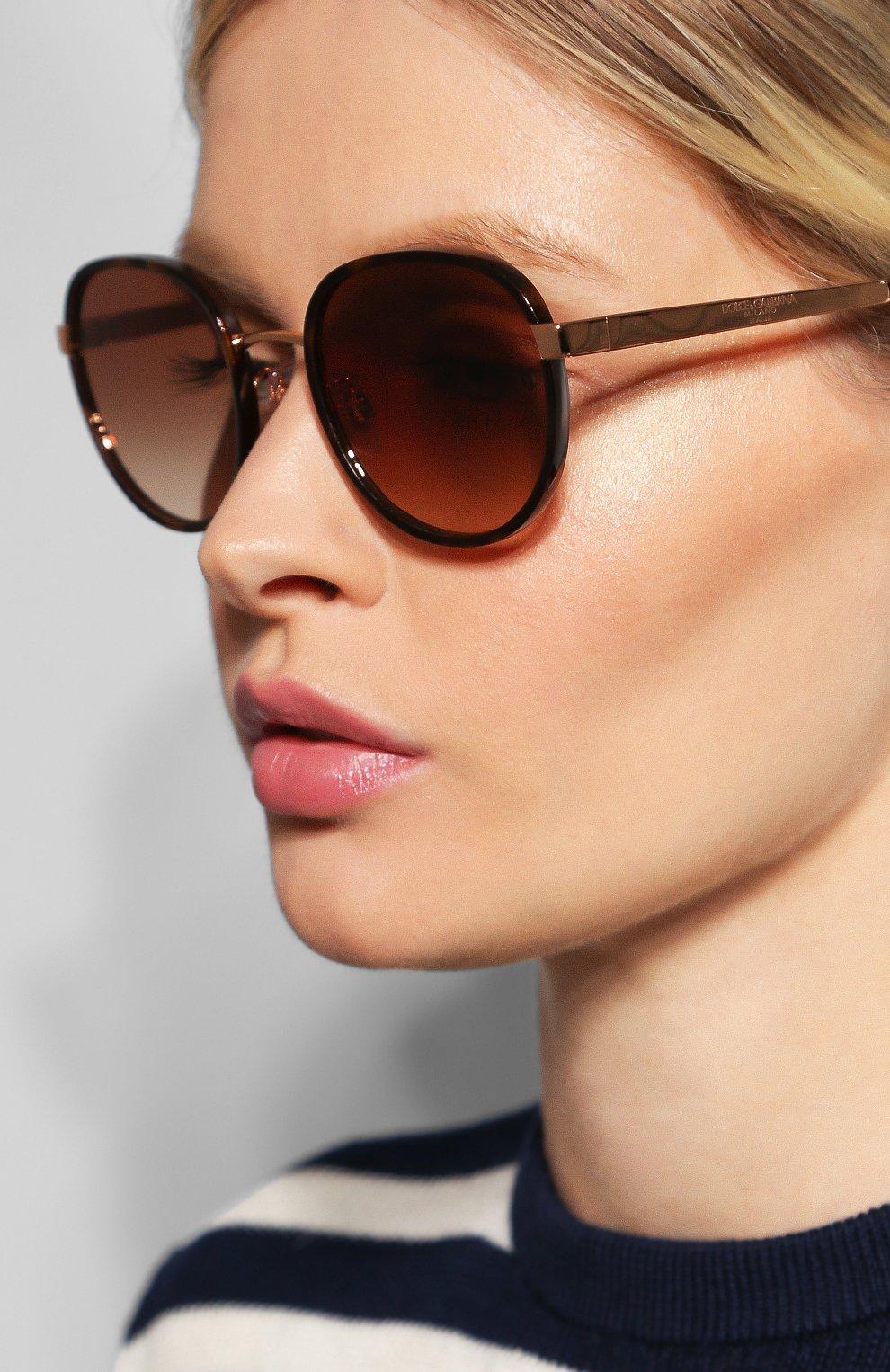 Женские солнцезащитные очки DOLCE & GABBANA коричневого цвета, арт. 2227J-129813   Фото 2