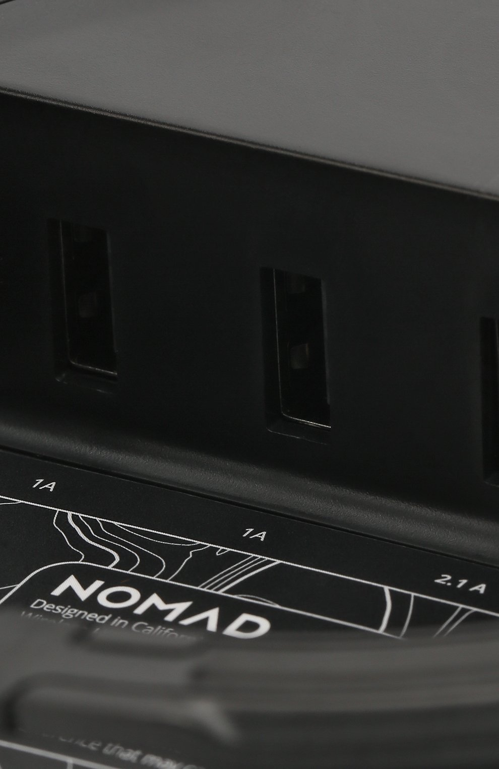 Мужская беспроводное зарядное устройство wireless hub NOMAD черного цвета, арт. NM30M15A20 | Фото 6