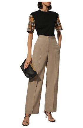 Женская хлопковая футболка BURBERRY черного цвета, арт. 8014895 | Фото 2 (Рукава: Короткие; Материал внешний: Хлопок; Силуэт Ж (для верхов): Оверсайз; Статус проверки: Проверена категория; Принт: С принтом; Женское Кросс-КТ: Футболка-одежда; Длина (для топов): Стандартные)