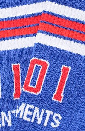 Женские носки VETEMENTS голубого цвета, арт. UAH20AC800/W | Фото 2