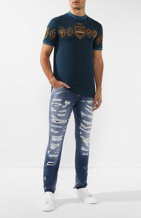 Мужские джинсы с потертостями DOLCE & GABBANA синего цвета, арт. GYJCCD/G8BG6   Фото 2