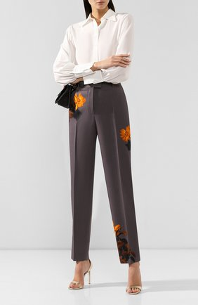 Женские шерстяные брюки DRIES VAN NOTEN серого цвета, арт. 192-10933-8428 | Фото 2