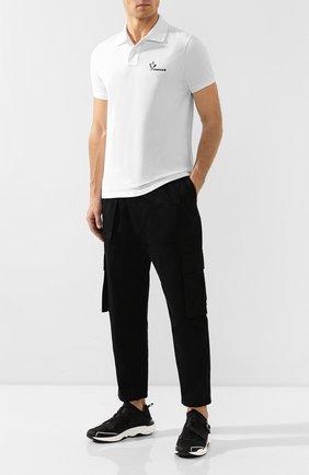 Мужское хлопковое поло MONCLER белого цвета, арт. E2-091-83244-50-84556 | Фото 2