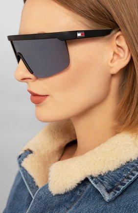Женские солнцезащитные очки TOMMY HILFIGER черного цвета, арт. 1657/G 124 | Фото 2