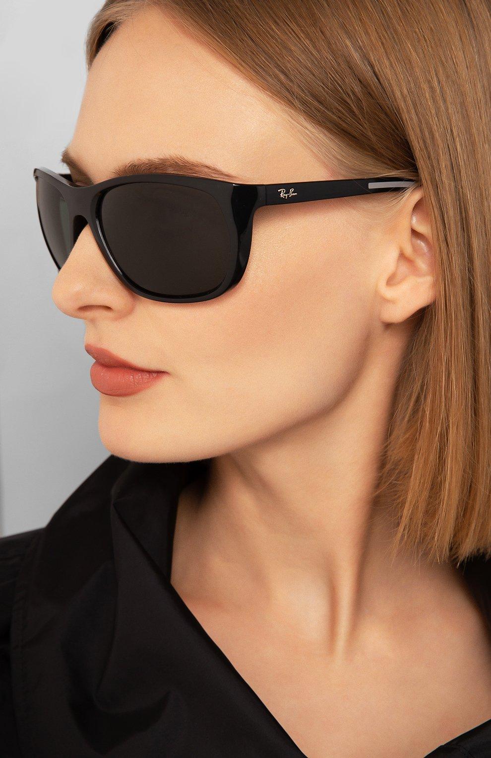 Женские солнцезащитные очки RAY-BAN черного цвета, арт. 4307-601/71   Фото 2