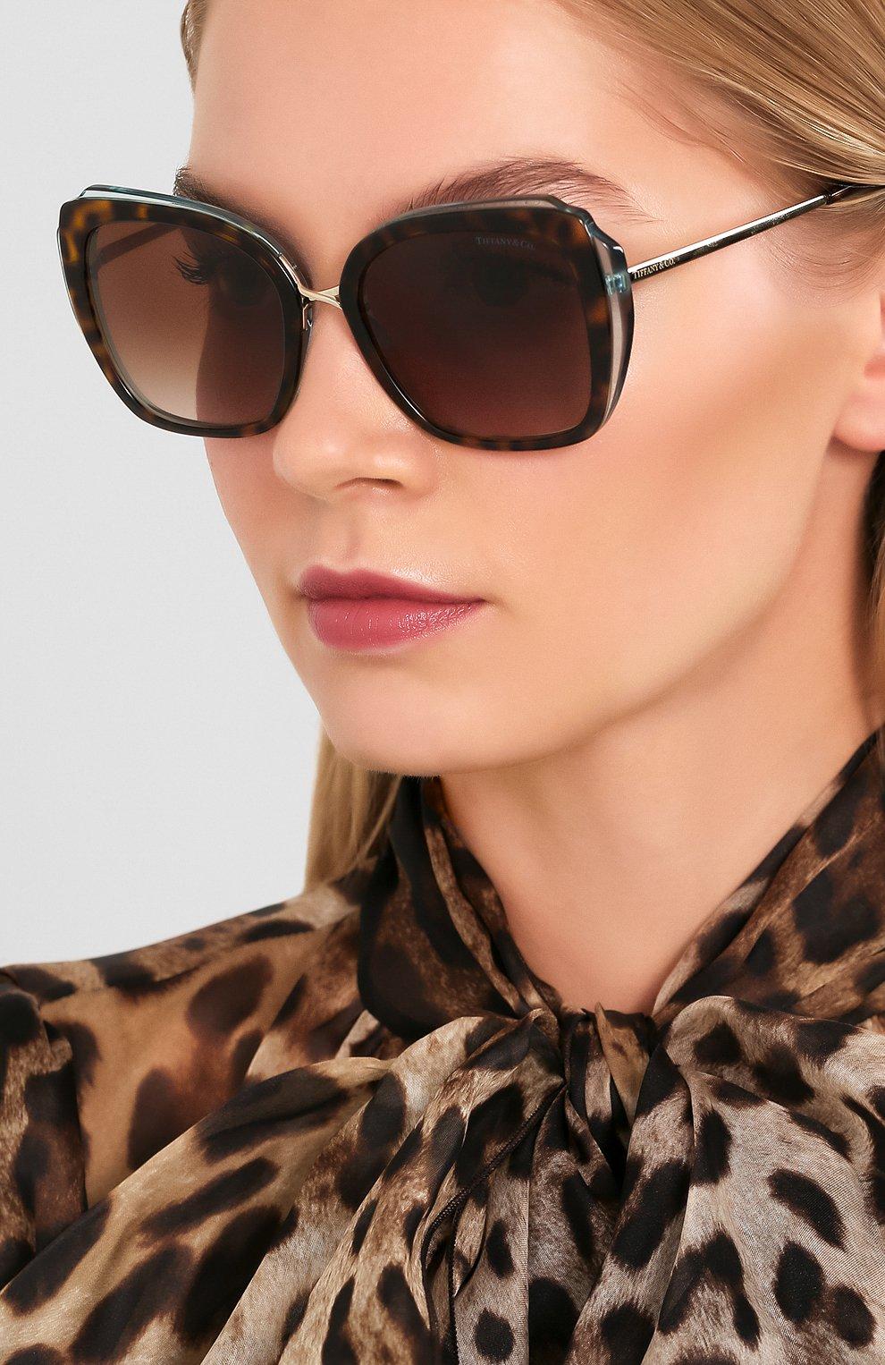 Женские солнцезащитные очки TIFFANY & CO. коричневого цвета, арт. 4160-82863B | Фото 2