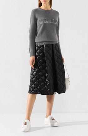 Женская пуловер из смеси шерсти и кашемира MONCLER серого цвета, арт. E2-093-90558-50-A9234 | Фото 2
