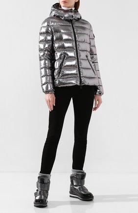 Женский пуховая куртка MONCLER серебряного цвета, арт. E2-093-46884-05-C0291 | Фото 2