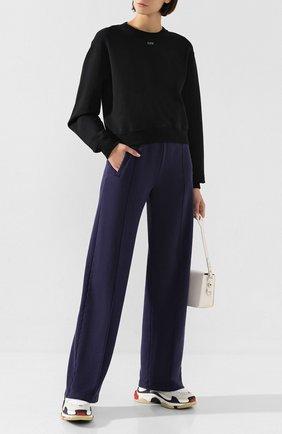 Женские хлопковые брюки OFF-WHITE темно-синего цвета, арт. 0WCH005E19F290973232 | Фото 2