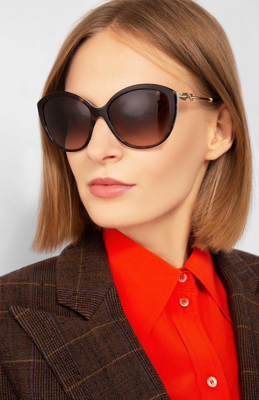 Женские солнцезащитные очки TIFFANY & CO. коричневого цвета, арт. 4144B-81343B   Фото 2