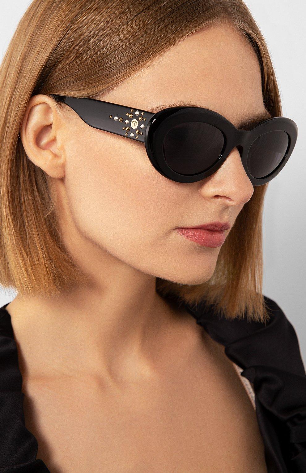Женские солнцезащитные очки VERSACE черного цвета, арт. 4355B-GB1/1A | Фото 2