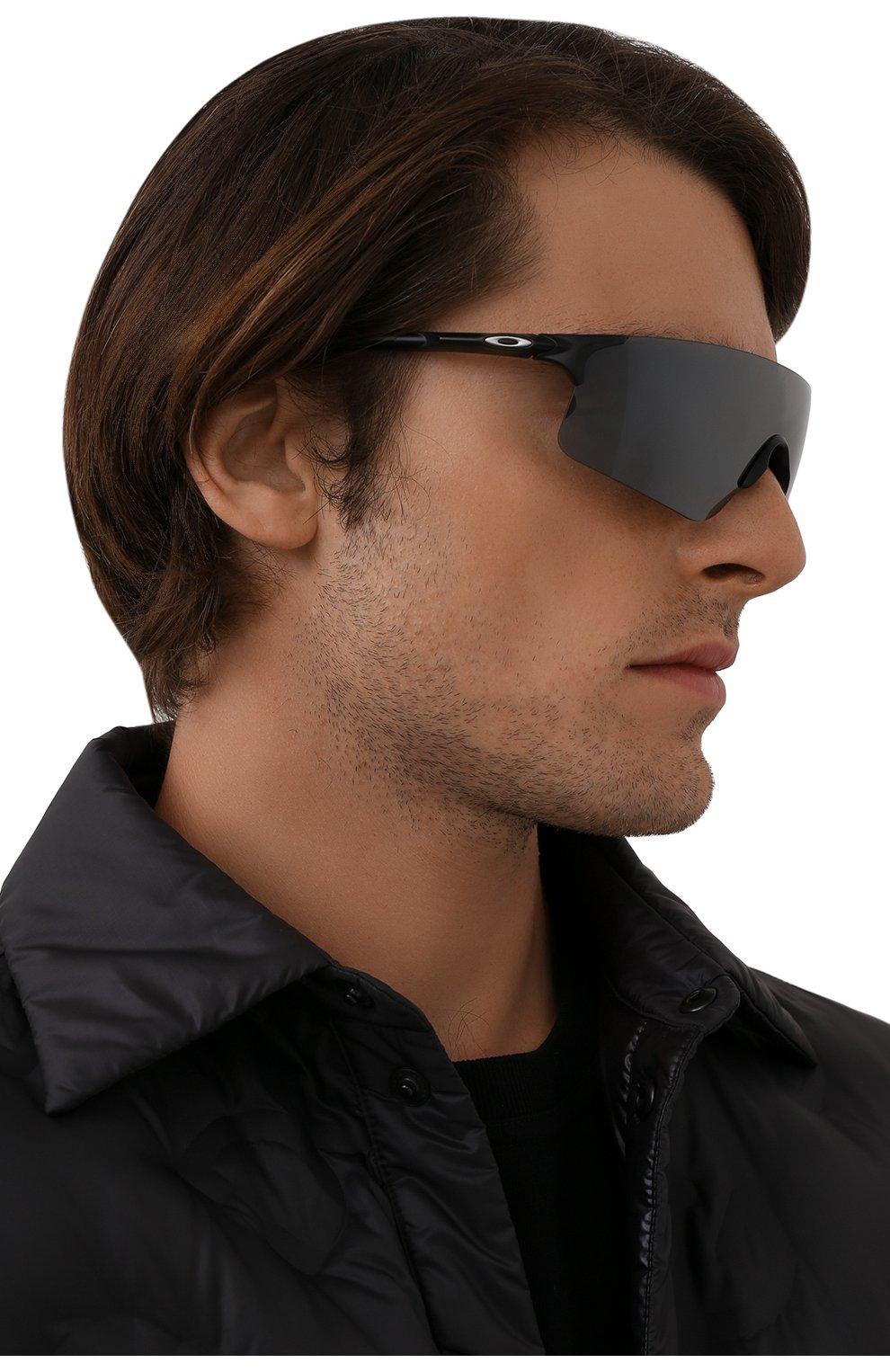 Женские солнцезащитные очки OAKLEY серого цвета, арт. 9454-945401 | Фото 2