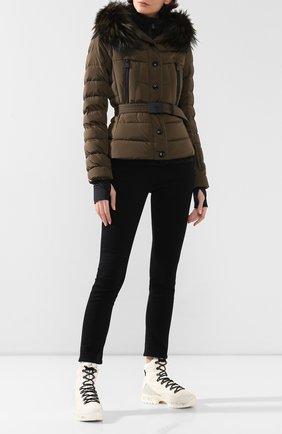Женский пуховая куртка MONCLER GRENOBLE хаки цвета, арт. E2-098-45362-25-5399E | Фото 2