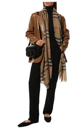 Женский шарф из смеси шерсти и шелка BURBERRY бежевого цвета, арт. 8018468   Фото 2 (Материал: Шерсть, Текстиль, Шелк; Статус проверки: Проверена категория)