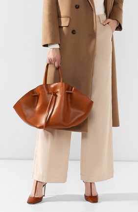 Женская сумка lynne NANUSHKA коричневого цвета, арт. LYNNE_TAN_LEATHER | Фото 2