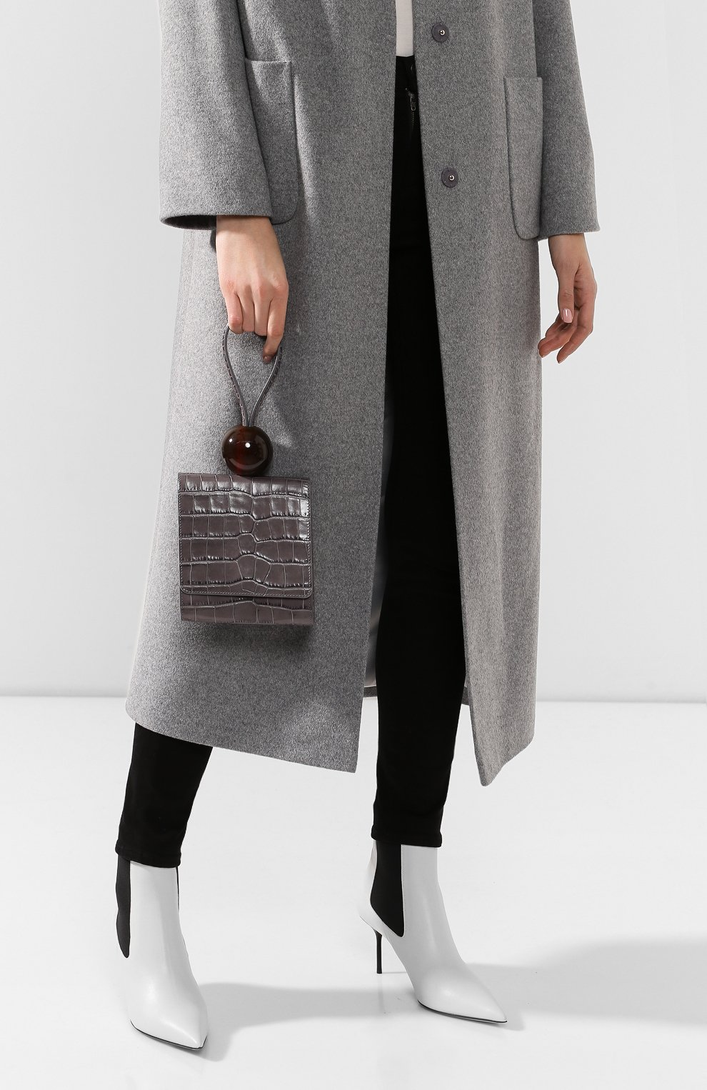 Женская сумка ball BY FAR серого цвета, арт. 18FWBALAGRDSMA | Фото 2 (Сумки-технические: Сумки top-handle; Материал: Натуральная кожа; Размер: mini)