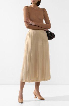 Женская кожаные туфли BOTTEGA VENETA светло-бежевого цвета, арт. 608839/VBSD0 | Фото 2