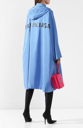Женский плащ с капюшоном BALENCIAGA голубого цвета, арт. 571267/TYD36 | Фото 2