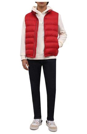Мужской пуховый жилет BRUNELLO CUCINELLI красного цвета, арт. MR4051714 | Фото 2 (Материал внешний: Синтетический материал; Длина (верхняя одежда): Короткие; Материал подклада: Синтетический материал; Мужское Кросс-КТ: Верхняя одежда; Кросс-КТ: Пуховик, Куртка; Стили: Кэжуэл; Материал утеплителя: Пух и перо)
