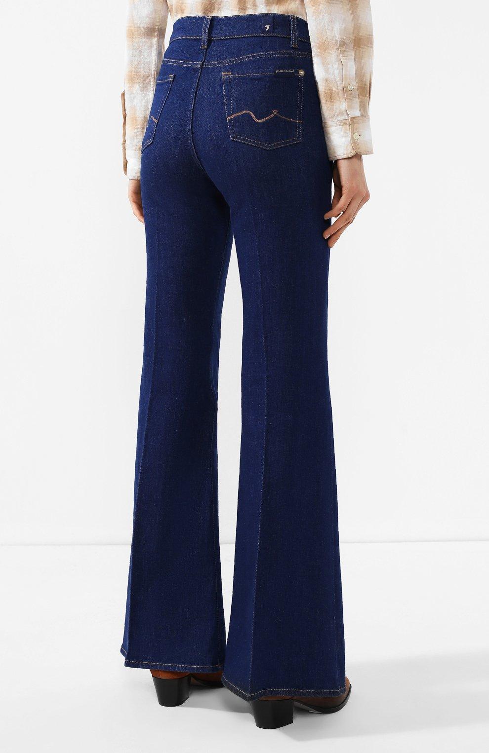 Женские расклешенные джинсы 7 FOR ALL MANKIND синего цвета, арт. JSQIB120BR   Фото 4 (Длина (брюки, джинсы): Удлиненные; Кросс-КТ: Деним; Силуэт Ж (брюки и джинсы): Расклешенные; Материал внешний: Хлопок, Деним; Статус проверки: Проверена категория)