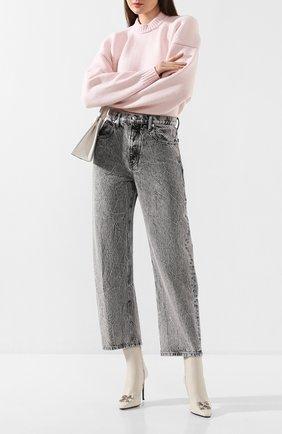 Женские джинсы DENIM X ALEXANDER WANG светло-серого цвета, арт. 4DC1204650 | Фото 2