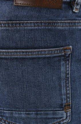 Мужские джинсы BOSS голубого цвета, арт. 50421436 | Фото 5