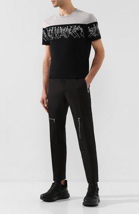 Мужской хлопковые брюки ALEXANDER MCQUEEN черного цвета, арт. 593858/Q0S44 | Фото 2