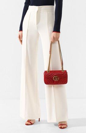 Женская сумка gg marmont mini GUCCI красного цвета, арт. 446744/DTDIT | Фото 2 (Материал: Натуральная кожа; Сумки-технические: Сумки через плечо; Размер: mini; Ремень/цепочка: На ремешке)