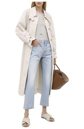 Женские джинсы TOTÊME голубого цвета, арт. 0RIGINAL DENIM 32 193-232-742 | Фото 2