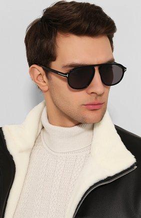 Женские солнцезащитные очки TOM FORD черного цвета, арт. TF755 01A | Фото 2