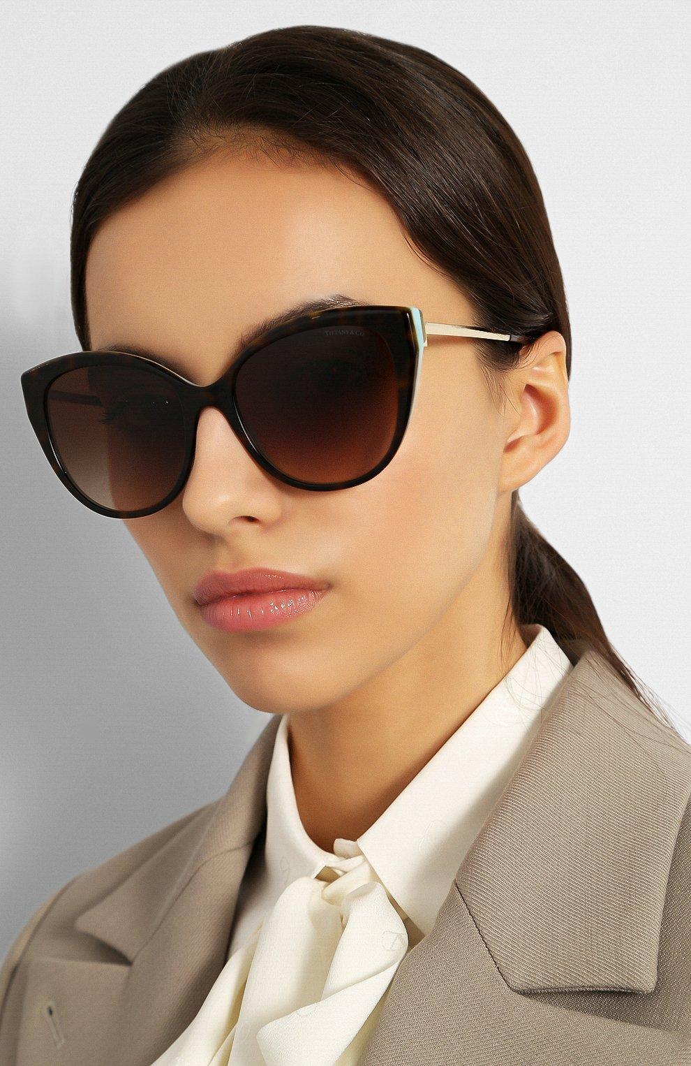 Женские солнцезащитные очки TIFFANY & CO. коричневого цвета, арт. 4166-81343B | Фото 2