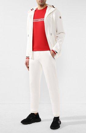Мужской хлопковые брюки MONCLER белого цвета, арт. F1-091-8H704-00-V8007 | Фото 2