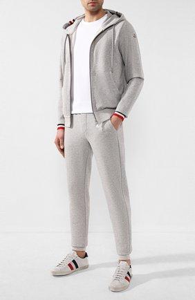 Мужской хлопковые брюки MONCLER серого цвета, арт. F1-091-8H704-00-V8007 | Фото 2