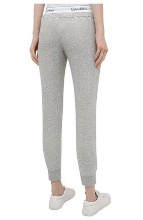 Женские хлопковые брюки CALVIN KLEIN серого цвета, арт. QS5716E   Фото 4